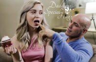 PureTaboo – Lexi Lore Daddys Special Hug (02.04.2019)