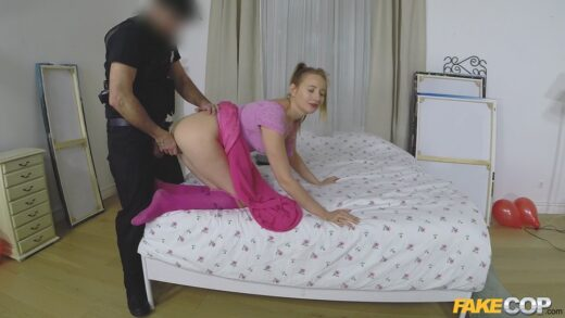 FakeCop – Kiki Cyrus, Cop Fucks Pigtailed Home Alone Lady