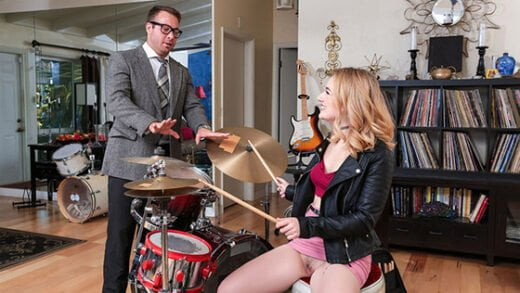 [SneakySex] Abby Adams (Pound Her Drums / 05.25.2019)