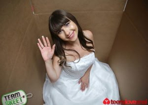 [TeensLoveAnal] Luna Rival (Unboxing A Bride / 10.27.2018)