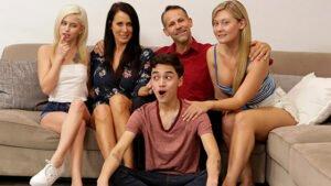 MomsTeachSex – Kiara Cole, Reagan Foxx Thankful For My Stepmoms Titties, Perverzija.com