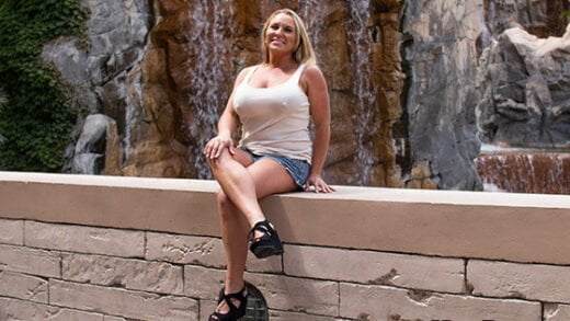 [MomPOV] Crissy (Hot wife make porn debut / 06.15.2019)