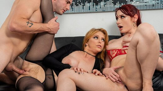 [Spizoo] Penny Pax, Violet Monroe (The New Boss Is Hot As Fuck / 06.05.2019)