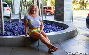 [MomPOV] Lila (Curvy all natural blonde MILF / 07.13.2019)