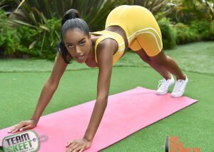[TheRealWorkout] Ashley Aleigh (Going Hard In The Pink / 07.12.2019)