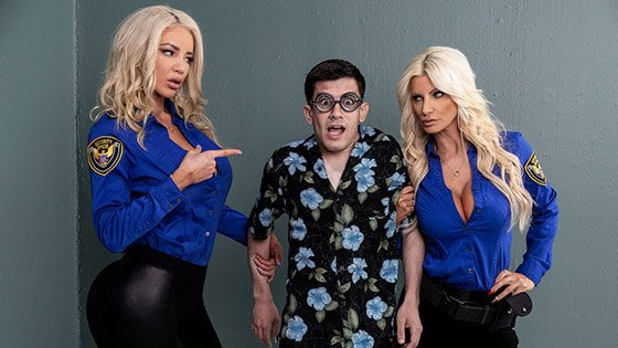 BrazzersExxtra - Brittany Andrews, Nicolette Shea, Fucking His Way Into The U S A