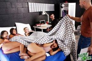 DayWithAPornstar – Jenna Foxx Gaming Gets Jenna Horny, Perverzija.com