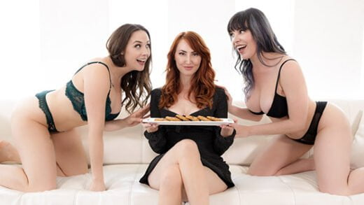 [MomsOnMoms] Kendra James, Dana Dearmond, Chanel Preston (Lonely Housewife / 08.20.2019)