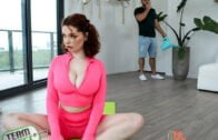 TheRealWorkout – Annabel Redd, Yogis Bang Better