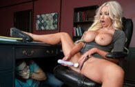 RealWifeStories – Kayla Kayden, Neighborwhore Twatch