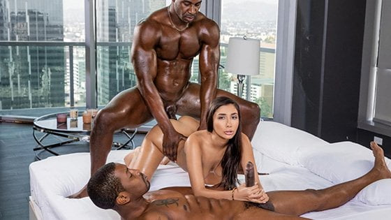 [Blacked] Gianna Dior (Keeping Me Satisfied / 10.17.2019)