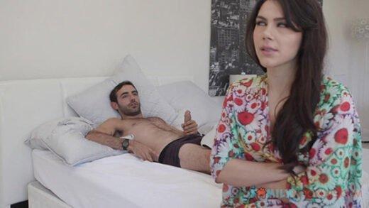 [FamilyHookups] Valentina Nappi (Fucks her horny stepson after she catches him masturbating / 10.07.2019)