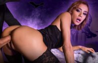 HandsOnHardcore – Veronica Leal, Squirting Anal Witch Hunter