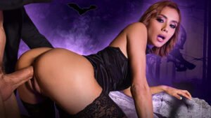 [HandsOnHardcore] Veronica Leal (Squirting Anal Witch Hunter / 10.31.2019)