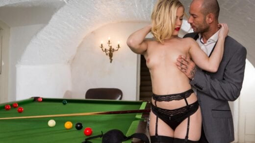 Private - Ash Hollywood, Swinging Sweetheart Ash Hollywood Has a Pussy Pounding Threeway