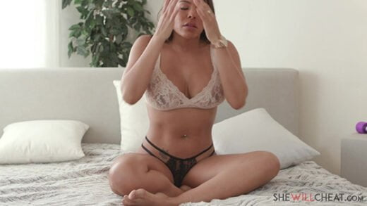 [SheWillCheat] Luna Star (Fucks a handsome stranger while her hubby is away / 10.13.2019)