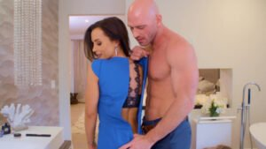 [TheLisaAnn] Lisa Ann (How To Date Glam Busty MILF / 10.13.2019)