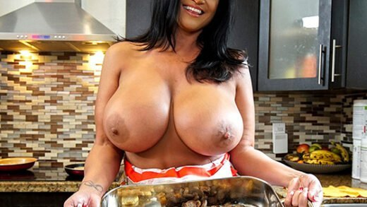 [BigTitCreamPie] Kailani Kai (Cooking With BangBros / 11.28.2019)