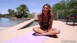 [MomPOV] Sloane (Pool Side Yoga Fun / 11.03.2019)