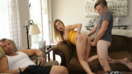 [MomsTeachSex] Britney Amber (Mommys Boy / 11.06.2019)