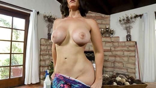 [MyDirtyMaid] La Sirena (Pierced Nipple Maid Gets Fucked / 11.05.2019)