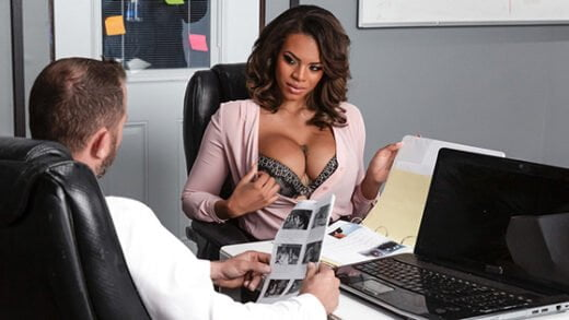 [BrazzersExxtra] Halle Hayes (Working Late / 12.28.2019)