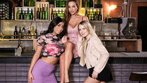 GirlsWay – Abigail Mac, Scarlett Sage And Violet Myers – Crash Course, Perverzija.com