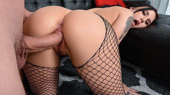 [MonsterCurves] Stella Raee (Stretch And Tease / 12.06.2019)