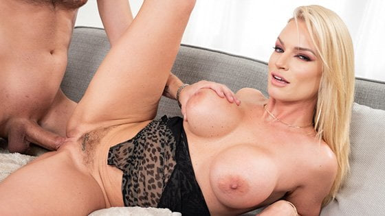 [Spizoo] Racheal Cavalli (Busty MILF Loves Cum In Tits / 12.25.2019)