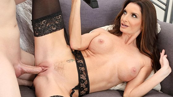 [Family] Silvia Saige (Step Mom Helps Son Deal With Getting No Pussy / 01.15.2020)