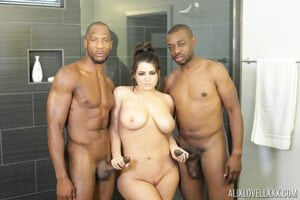 [PornstarPlatinum] Alix Lovell (Interracial Big Cock Bath Party / 01.09.2020)