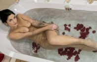 StepMomLessons – Nikki Thorne, Mary Rock Send Stepmom Nudes