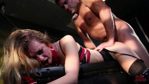 [DeviantHardcore] Lyra Law (Sexy young blonde Lyra Louvel gets bound and fully dominated / 03.20.2020)