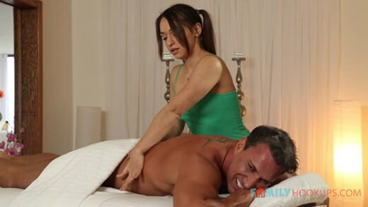 [FamilyHookups] Sara Luvv (Sara Luvv fucks her dad's best friend after a massage / 06.26.2020)