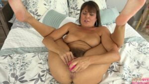 [JerkOffWithMe] Elexis Monroe (Hot Mommy Masturbating Her Mature Pussy / 07.21.2020)