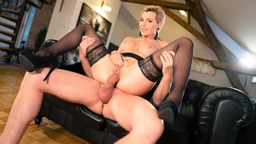 [MomXXX] Subil Arch (Russian MILF romanced in stockings / 02.20.2020)
