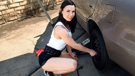 [RKDupes] Aidra Fox (Rotating Her Tires / 06.30.2020)