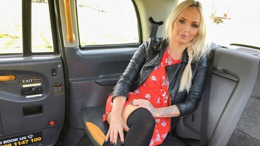 [FakeTaxi] Louise Lee (Festive taxi fuck with busty blonde / 12.26.2018)