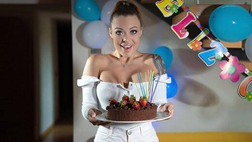 [StayHomeMilf] Misha Maver (Happy Birthday Indeed / 09.20.2020)