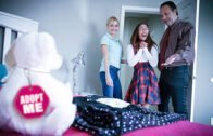 FosterTapes – Aria Carson And Lauren Phillips – Stuffing The Turkey