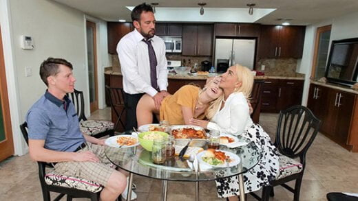 [FreeuseFantasy] Kenna James, Kylie Kingston (Step Family Dinner / 10.28.2020)
