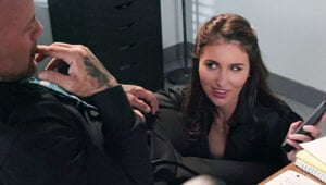 BrazzersExxtra – Roxy Risingstar Put Down The Phone And Fuck Me!, Perverzija.com