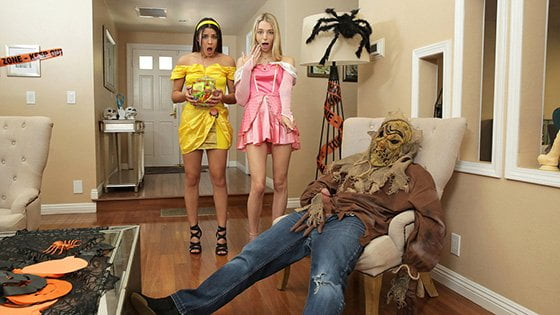 StepSiblingsCaught – Kylie Rocket And Lily Larimar – Step Brothers Trick And Treat, Perverzija.com