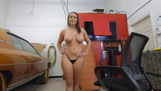 [BangRoadsideXXX] Carmela Clutch (Shifts Her Pussy Into High Gear / 11.25.2020)