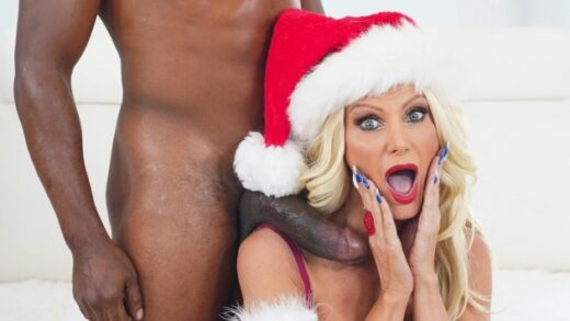 HussiePass - Brittany Andrews - Mrs Claus Takes BrickZilla Up Her Chimney