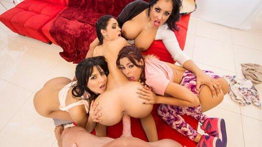 PornstarsLikeItBig - Kiara Mia, Luna Star, Jasmine Caro And Rose Monroe - El Pelon de Brazzers aka Johnny Mexico