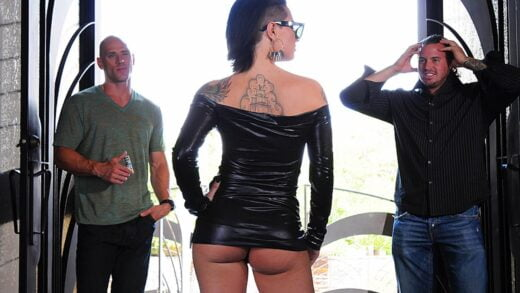 BigButtsLikeItBig - Christy Mack - Out Of The Biz