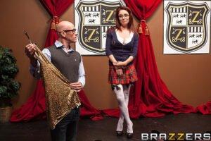 BabyGotBoobs – Blair Williams – Paying Up, Perverzija.com