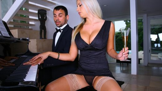 BigTitsBoss - Chantelle Sky - Business Is Pleasure