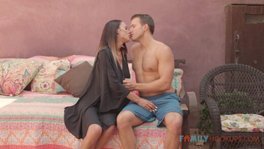 [FamilyHookups] Mckenzie Lee (McKenzee Lee and her massive tits fuck her hot stepson while in quarantine / 01.01.2021)